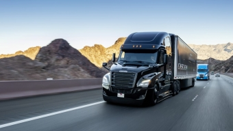 FREIGHTLINER UNVEILS UPDATED CASCADIA AND SCUPPERS PLATOONING AT CES