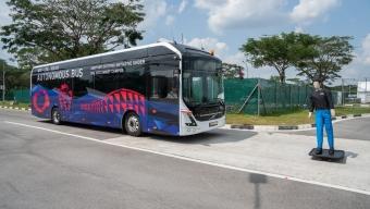 VOLVO AND SINGAPORE UNI UNVEIL WORLD FIRST FULL-SIZE AUTONOMOUS ELECTRIC BUS