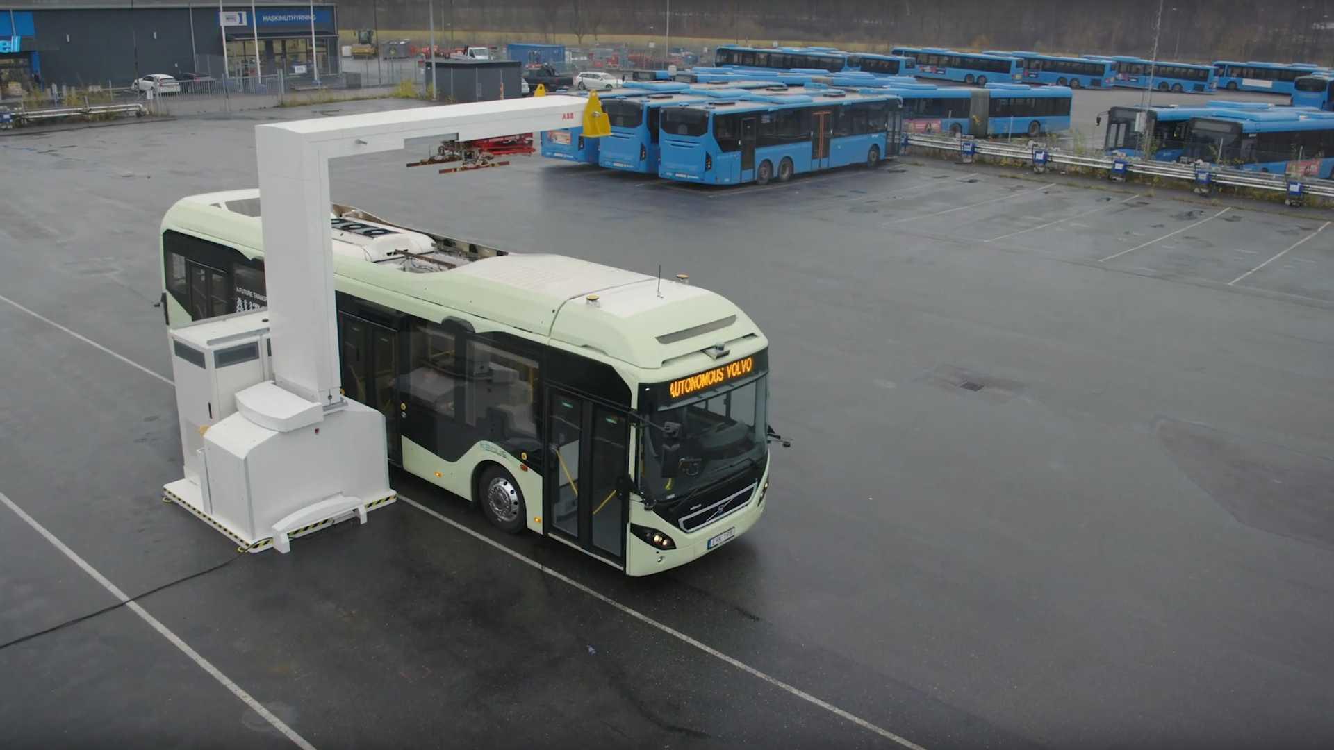 volvo-autonomous-bus-in-the-depot